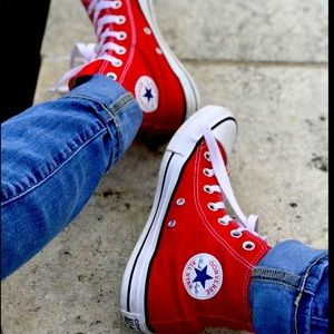 RED Converse High Tops 💋
